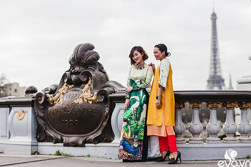 Nao lòng ngắm áo dài Việt tha thướt trên đường phố Paris-1
