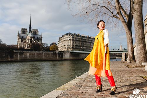 Nao lòng ngắm áo dài Việt tha thướt trên đường phố Paris-5