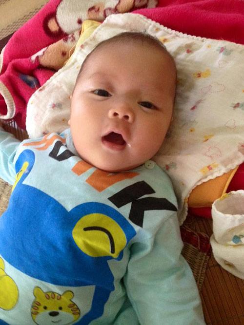 Cái Tết đầu của bé người Tày có bố lặn lội xin sữa nuôi con-6