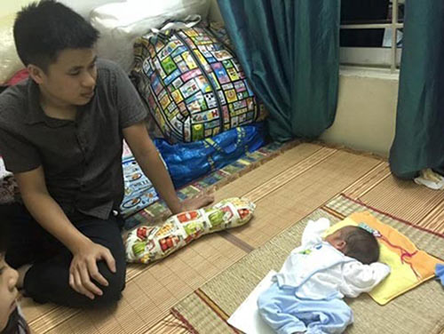 Cái Tết đầu của bé người Tày có bố lặn lội xin sữa nuôi con-3