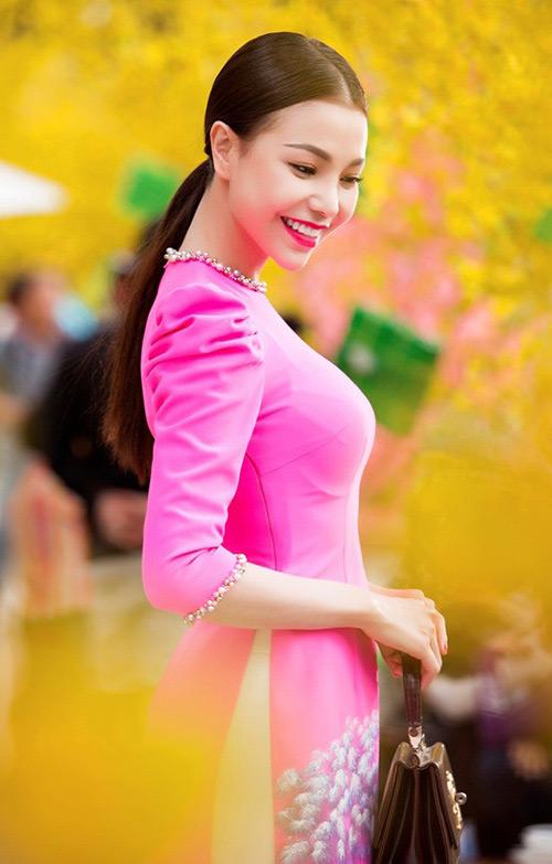 Trang điểm, làm tóc diện áo dài đẹp tựa Trà Ngọc Hằng-10