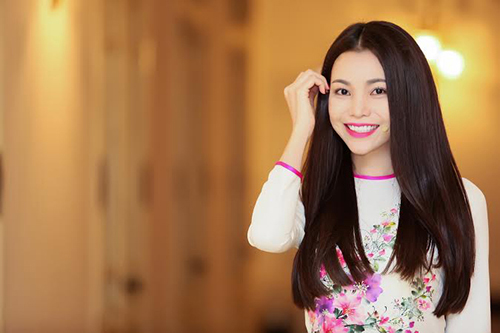 Trang điểm, làm tóc diện áo dài đẹp tựa Trà Ngọc Hằng-7
