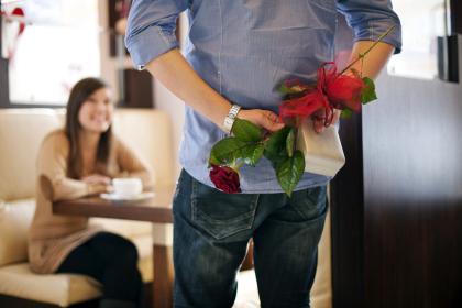valentine: dan ong doc than cam thay co don hon phu nu - 2