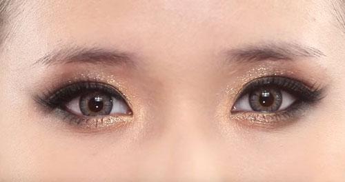 Trang điểm mắt nhũ lấp lánh dự tiệc cuối năm-2