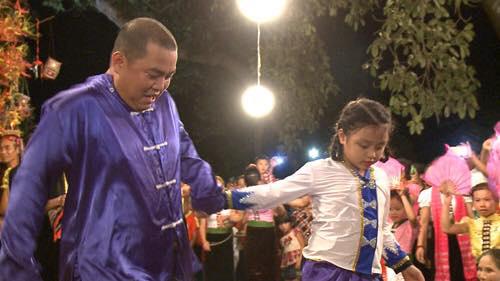 Những giây phút 'ngọt lịm tim' của bố con Minh Khang – Suti-5