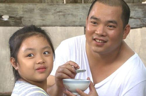 Những giây phút 'ngọt lịm tim' của bố con Minh Khang – Suti-13