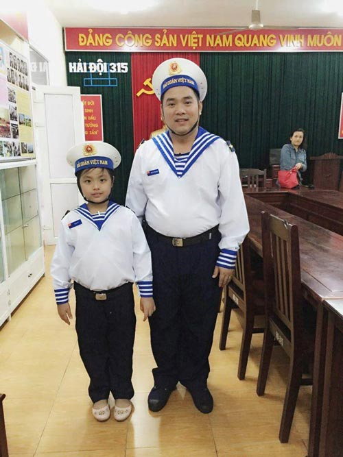 Những giây phút 'ngọt lịm tim' của bố con Minh Khang – Suti-16