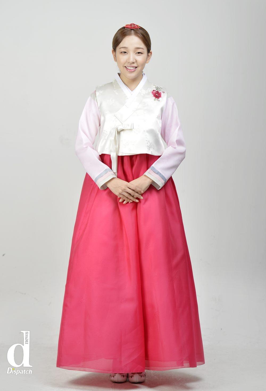 Sao Hàn xúng xính diện hanbok đón Tết-9