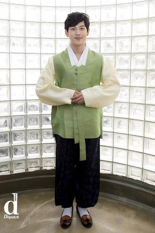 Sao Hàn xúng xính diện hanbok đón Tết-3