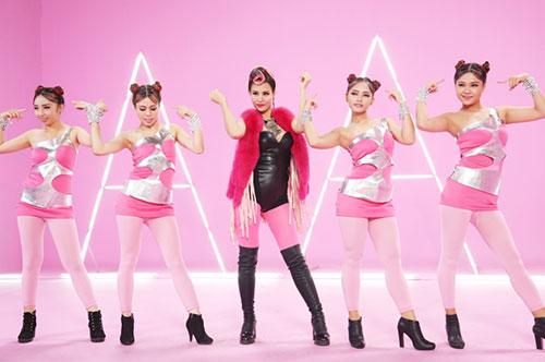"""Đông Nhi đầy cá tính với tóc hồng trong dự án """"Pink Girl""""-3"""