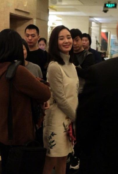 Lưu Thi Thi lộ diện sau buổi chụp ảnh cưới-1