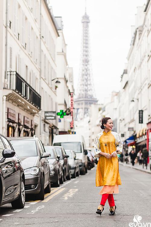 Nao lòng ngắm áo dài Việt tha thướt trên đường phố Paris-4