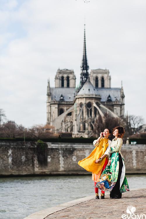 Nao lòng ngắm áo dài Việt tha thướt trên đường phố Paris-7