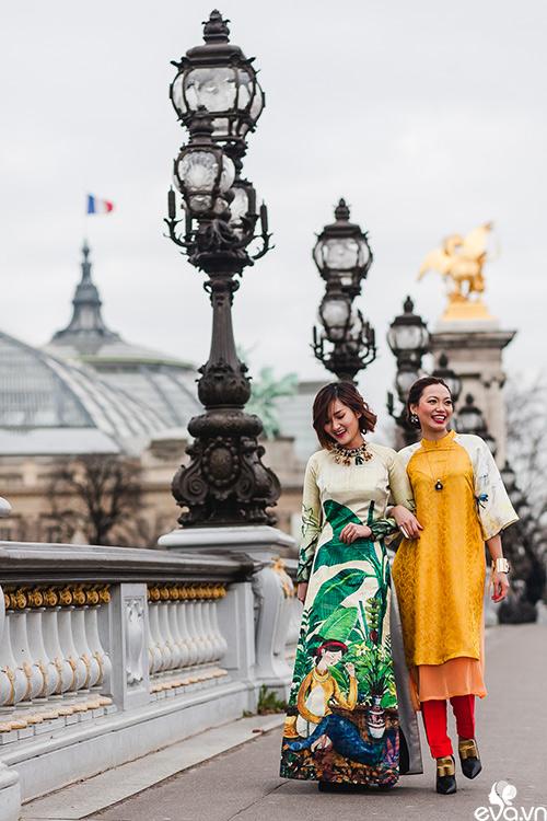 Nao lòng ngắm áo dài Việt tha thướt trên đường phố Paris-13