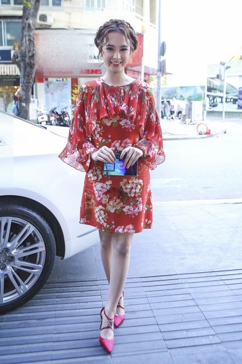 angela phuong trinh khien thanh thuy bi soc tren phim truong - 2