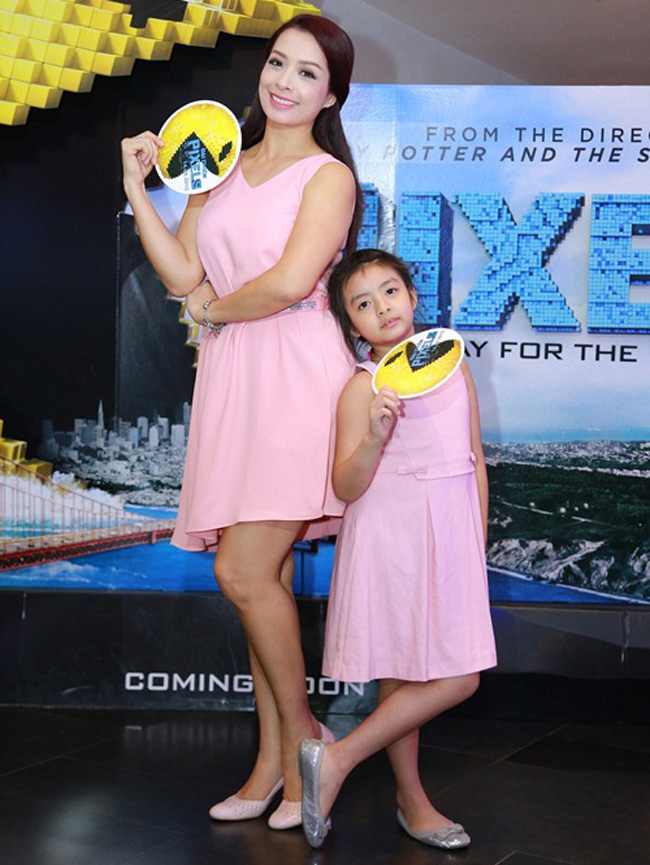 Những hình ảnh của cô con gái cưng được cựu người mẫu, MC Thúy Hằng thường xuyên chia sẻ và được khán giả rất yêu mến.