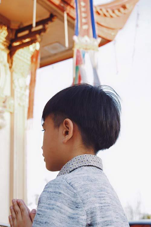 kim hien cung chong con di le phat o my - 3
