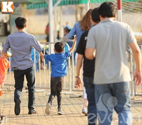 """hà hò - cuòng dola nám tay con trai giũa """"bão"""" scandal - 13"""