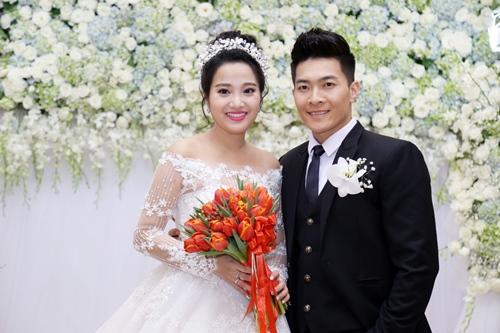 "dam cuoi sang trong cua mc hong phuong va ""hoang tu xiec"" quoc co - 4"