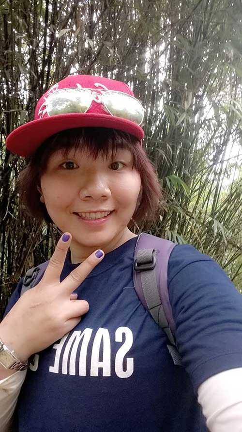 hanh phuc ngay 8/3 cua co giao xin bon ngoi truong cho hoc sinh - 1
