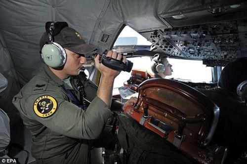 "giay phut hoang loan cua nhan vien khong luu khi ""mat"" mh370 - 1"