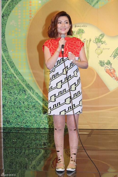showbiz 24/7: selina (s.h.e) khoc thuong chong cu - 2