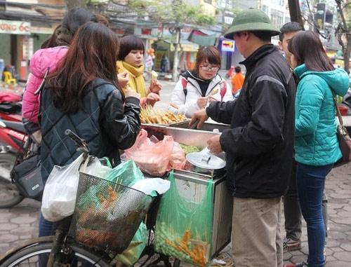 "qua vat cong truong - ""con ma thuc pham"" huy hoai suc khoe tre - 1"