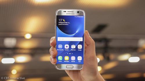 samsung tung galaxy s7 mini canh tranh iphone se - 1