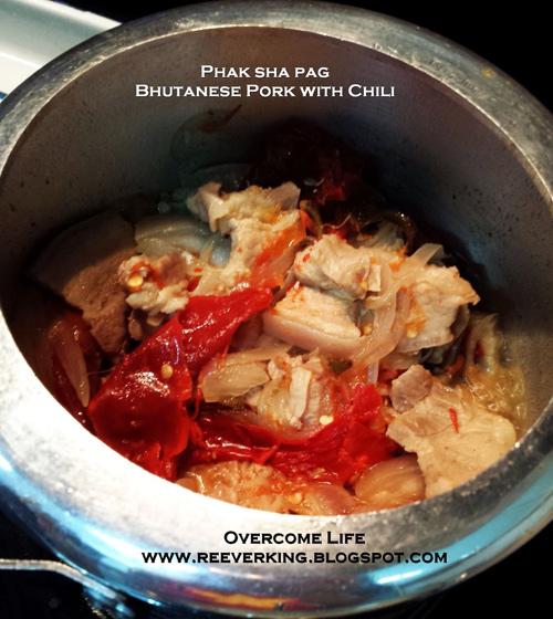 nhung mon an noi tieng o vuong quoc hanh phuc nhat the gioi - 4