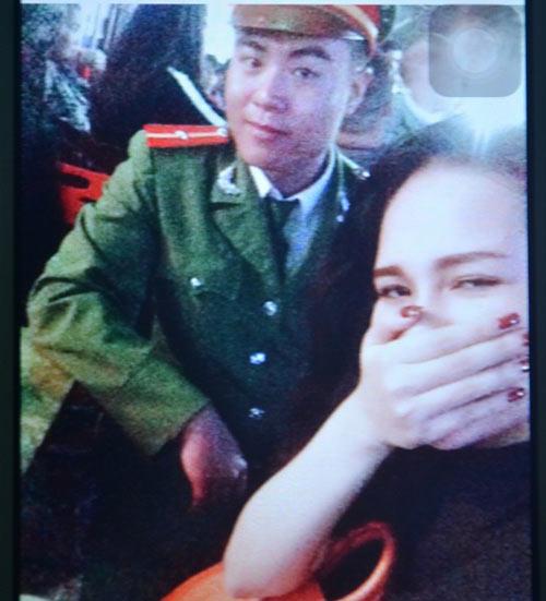 co gai bi ban trai la thieu uy cong an danh chan thuong so nao - 2