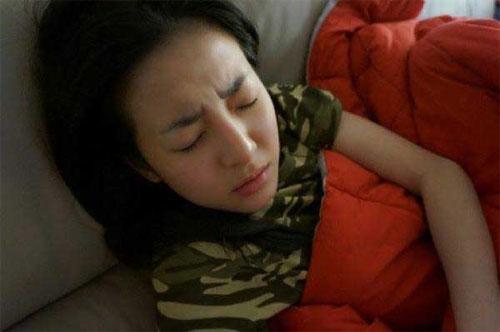 "em gai song joong ki san sang ""beu xau"" anh trai - 8"