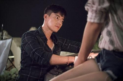"""vo jin goo ung ho chong """"yeu"""" kim ji won trong hau due cua mat troi - 11"""