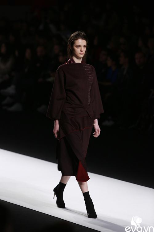 minh hang ngoi hang ghe dau tai seoul fashion week - 13