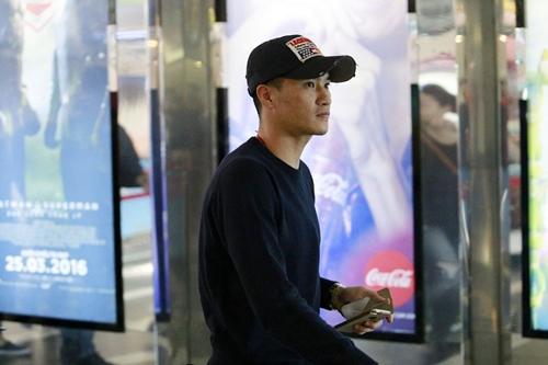 cong vinh dua dong doi di xem phim cua vo - 3