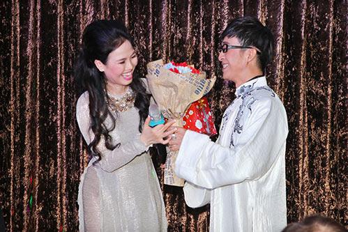 van khanh khoe giong hat ngot ngao ben nguyen duc - 5