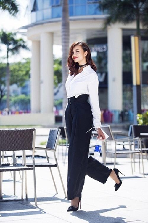 Nữ công sở mặc đẹp như Hà Tăng không hề khó!-7