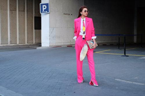 Nữ công sở mặc đẹp như Hà Tăng không hề khó!-9