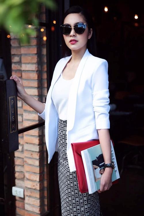 Nữ công sở mặc đẹp như Hà Tăng không hề khó!-4