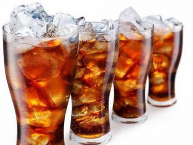 Ăn sáng bằng... nước ngọt có ga, nam sinh rước bệnh viêm dạ dày