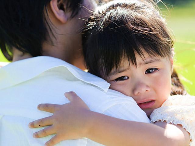 Con dễ trở nên hư hỏng, khó dạy khi bố mẹ mắc các thói xấu này