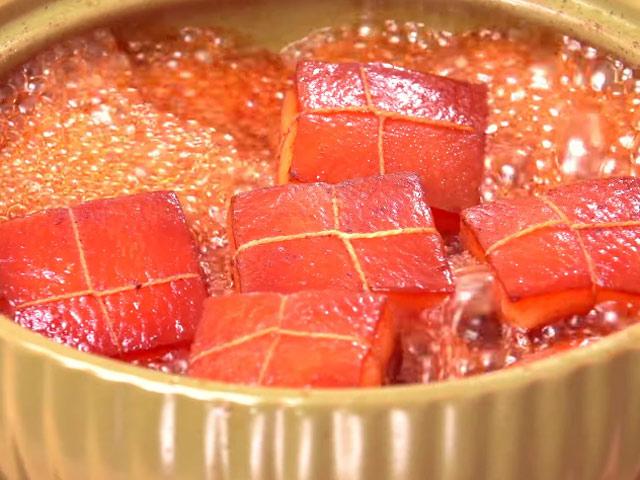 Thịt kho Đông Pha mềm ngon, không ngấy trôi cơm đến bất ngờ