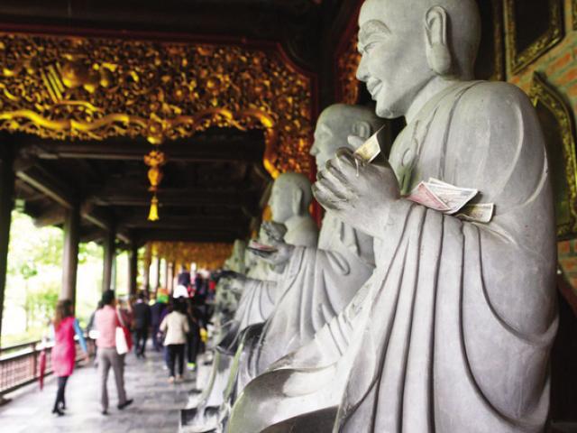 Chăm đi chùa, nhưng nhiều người không biết lễ
