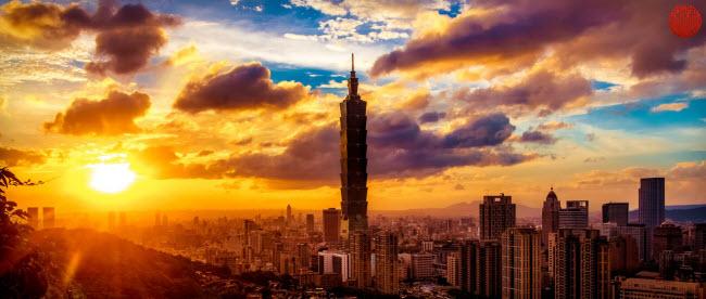Toàn cảnh thành phố Đài Bắc nhìn từ núi Voi. Hiện tại, công dân Việt Nam được miễn visa khi du lịch Đài Loan giúp tiết kiệm được một khoản chi phí không nhỏ khi ghé thăm nơi này.