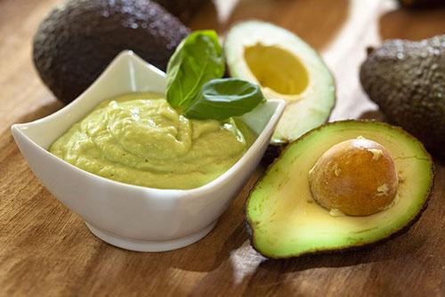 Chế biến bơ cho trẻ ăn dặm: Kết hợp sao cho đúng để nhận đủ giá trị dinh dưỡng?