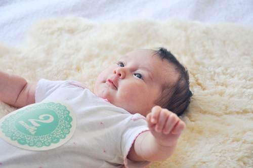 Kết quả hình ảnh cho trẻ 2 tháng tuổi