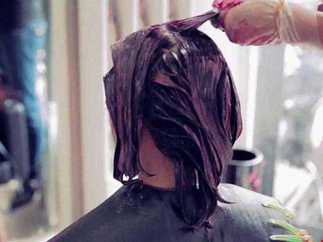 Cảnh báo nhuộm tóc có thể làm tăng nguy cơ bị ung thư vú