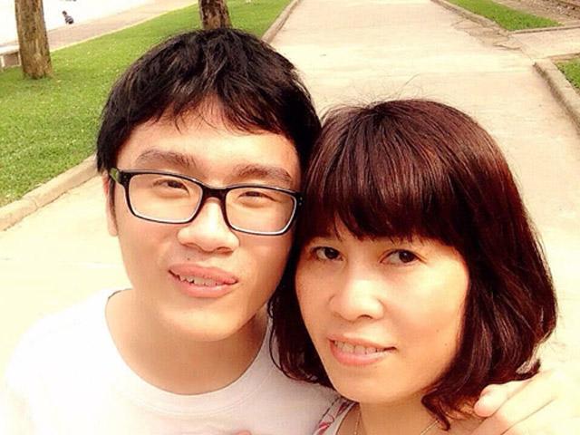 18 năm khâu lỗ thủng cho con trai mắc chứng tự kỷ của người mẹ Hà thành