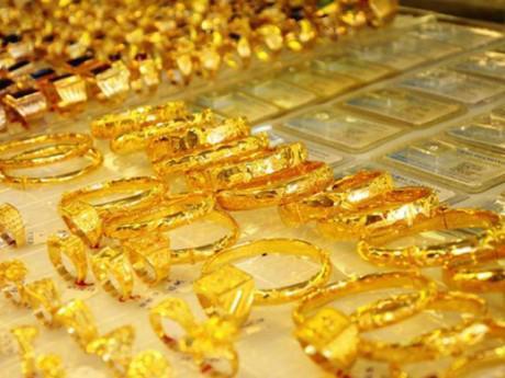 Giá vàng hôm nay 2/1: Lập đỉnh mới, dự kiến sẽ tiếp tục tăng