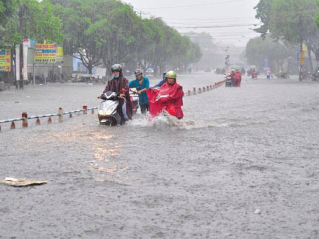 Bão số 1 suy yếu thành áp thấp nhiệt đới, Đà Nẵng - Bình Thuận mưa lớn