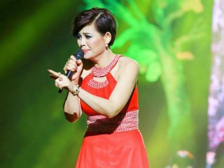 """Ngọc Anh nói gì sau ồn ào """"hét"""" cát xê 10.000 USD với nhạc sĩ Phú Quang?"""